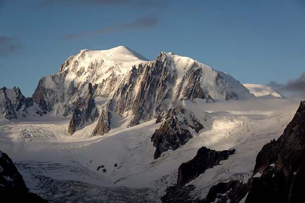 Quelles conséquences le réchauffement climatique a-t-il sur le Mont-Blanc ?