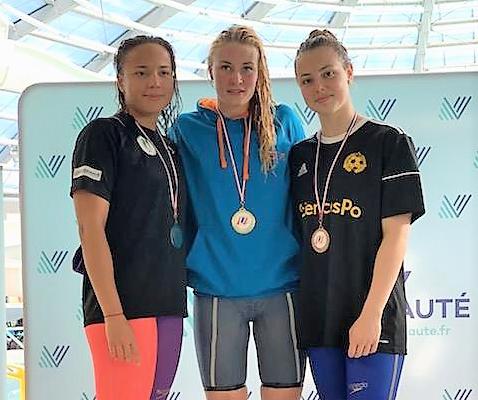 Médaille d'or en natation 50m dos pour Anastasia Urbaniak, étudiante à l'IUT de Chalon