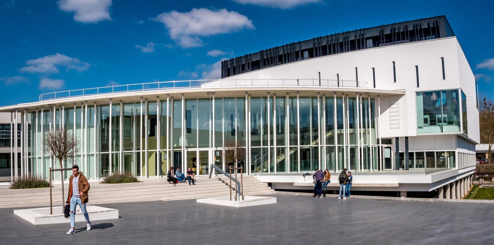 La Maison de l'Université de Bourgogne à Auxerre (MUBA) : Maison des étudiants sur le campus universitaire